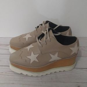 Beautiful shoes by Stella McCartney🌺🌸